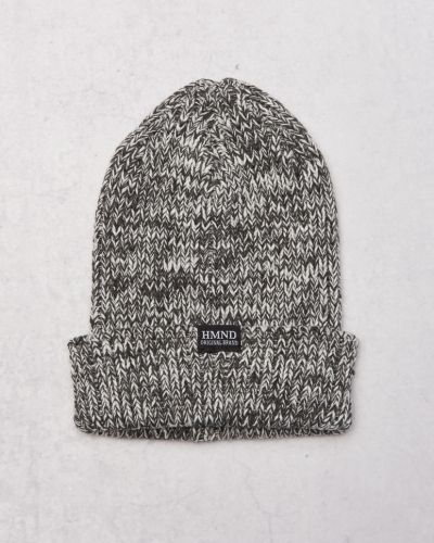 Mössa Ace Knitted Beanie Dark Grey från Adrian Hammond