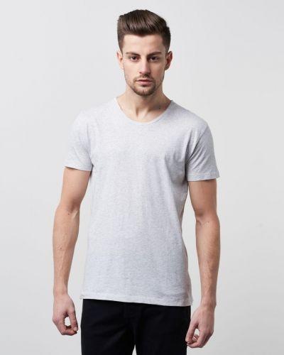 Alias Tee White Hope t-shirts till herr.