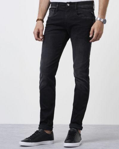 Blandade jeans från Replay till herr.