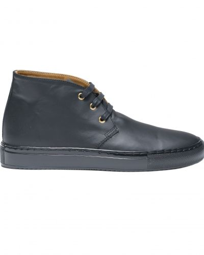 Till herr från Sandays, en höga sneakers.