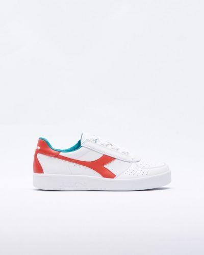 Vit sneakers från Diadora till herr.