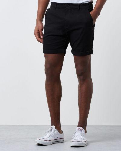 Till herr från Mouli, en shorts.