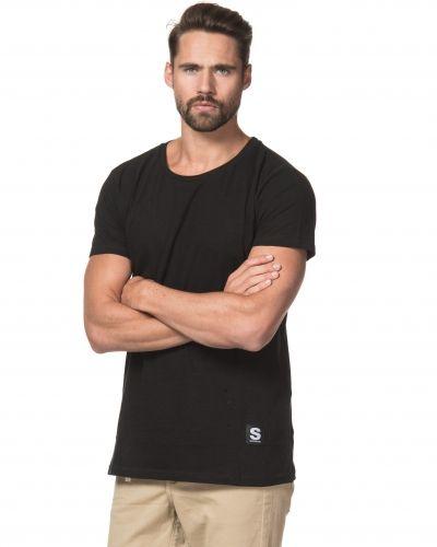 Till herr från Somewear, en svart t-shirts.