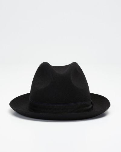 Till herr från Tiger Of Sweden, en svart hatt.