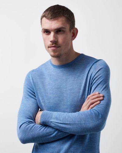 Till herr från NN.07, en stickade tröja.