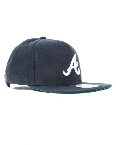 Classic Team Atlanta Navy Cap från New Era, Kepsar