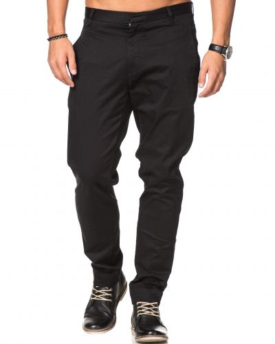 Chinos Cron Satin Stretch 090 Black från Whyred