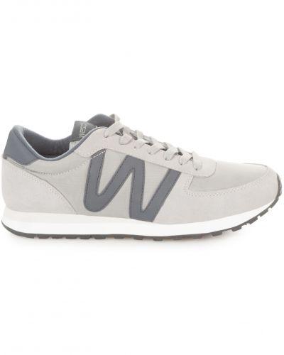 Till herr från WeSC, en sneakers.