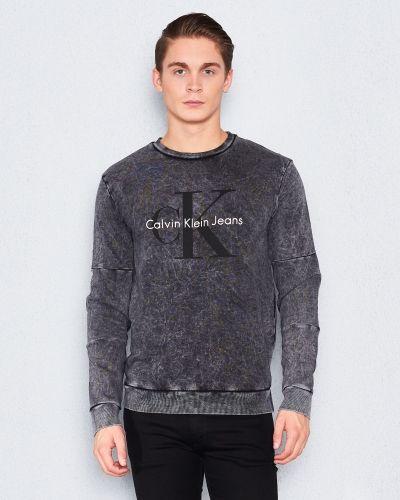 Hinter 1 099 Calvin Klein Jeans sweatshirts till killar.