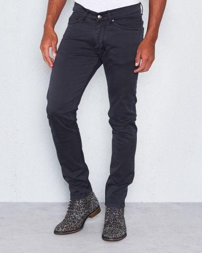 Grå jeans från Velour By Nostalgi till herr.