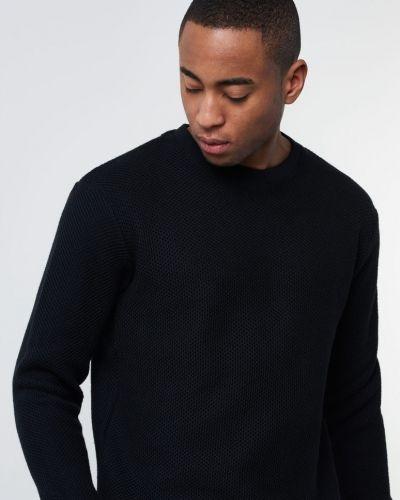 Till herr från Blench, en svart stickade tröja.