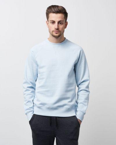 Till herr från WeSC, en sweatshirts.