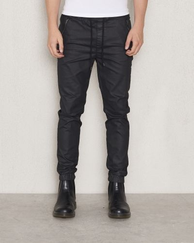 Chinos Mike Coated Joggers Black från William Baxter