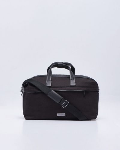 Weekendbags från Calvin Klein till unisex.