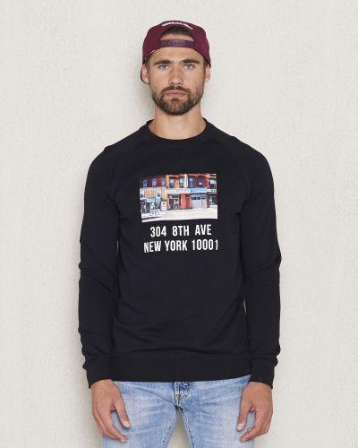Svart sweatshirts från Balzac Projects till killar.