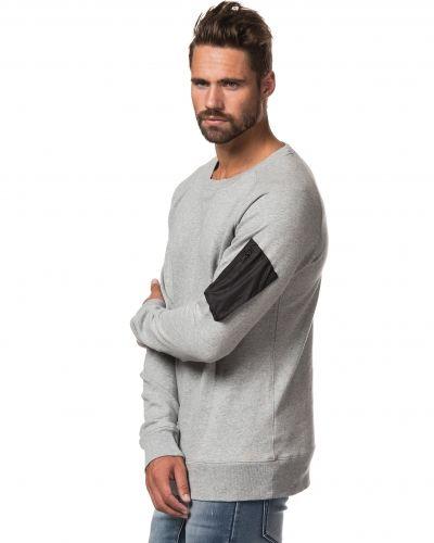 Pocket Sweat Junk De Luxe sweatshirts till killar.