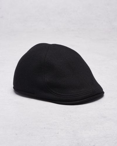 Till herr från Wigéns, en hatt.