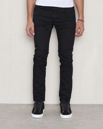 Till herr från Gabba, en svart blandade jeans.