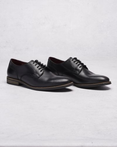 Finsko Richard Low Lace Black från Hush Puppies
