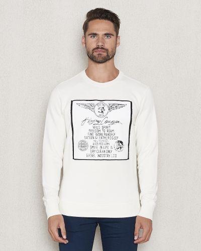 Till killar från Diesel, en vit sweatshirts.
