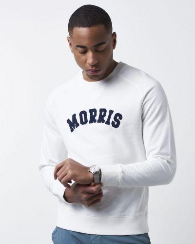Till killar från Morris, en sweatshirts.