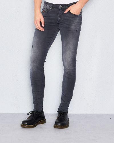 Blandade jeans från Diesel till herr.