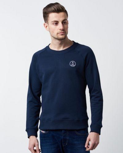 Till killar från Resteröds, en blå sweatshirts.