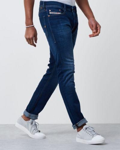 Till herr från Diesel, en blandade jeans.