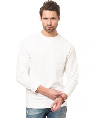 Till killar från Kvarn, en vit sweatshirts.