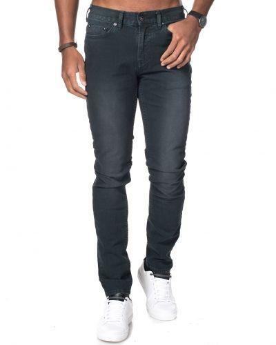 Svart jeans från Junk De Luxe till herr.