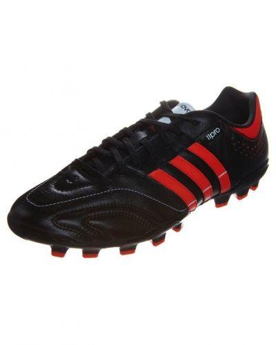 11 nova trx ag fotbollsskor från adidas Performance, Fasta Dobbar