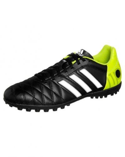 adidas Performance 11 questra trx tf fotbollsskor. Fotbollsskorna håller hög kvalitet.
