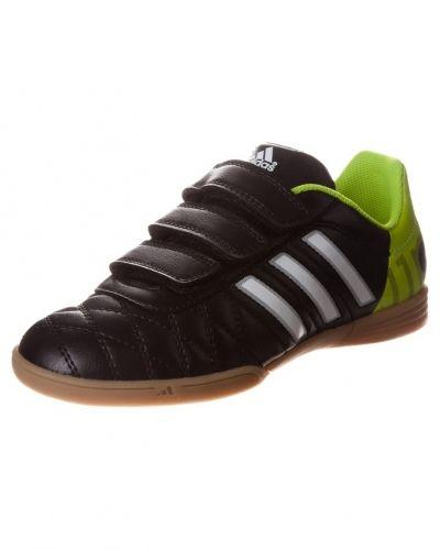 adidas Performance 11questra in fotbollsskor. Fotbollsskorna håller hög kvalitet.