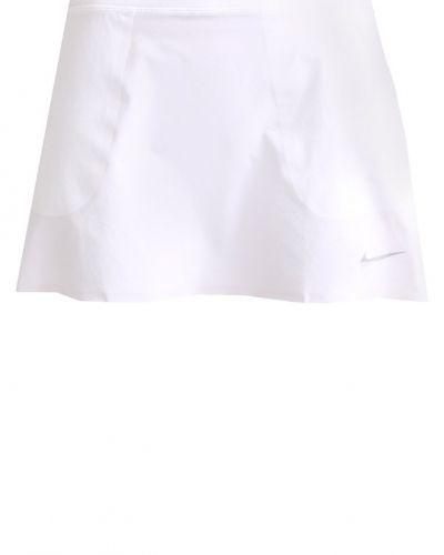 2in1 innovation sportkjol white/metallic silver Nike Golf sportkjol till mamma.