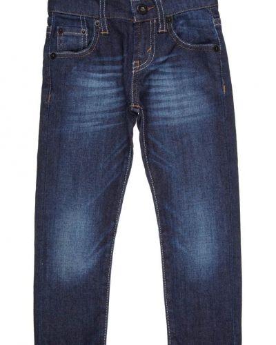 Till barn från Levi's®, en blå slim fit jeans.