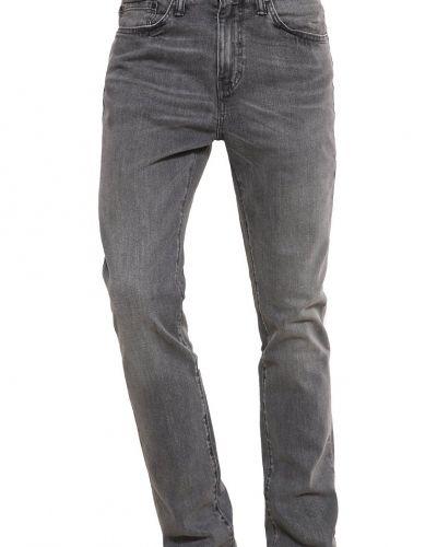 Till mamma från Levi's®, en slim fit jeans.