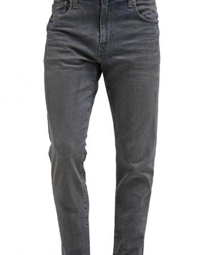 Relaxed fit jeans från Levi's® till mamma.