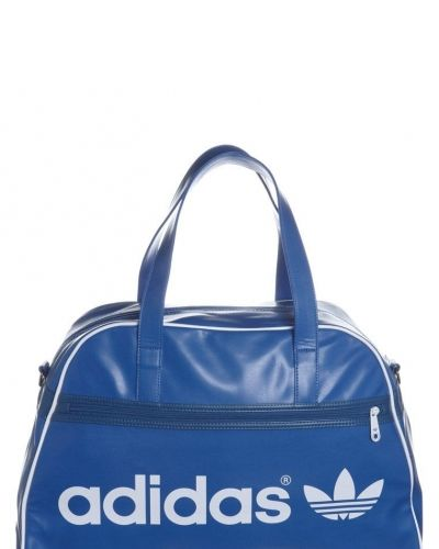 Adidas Originals adidas Originals ADICOLOR HOLDALL Sportväska Blått. Sportvaskor håller hög kvalitet.