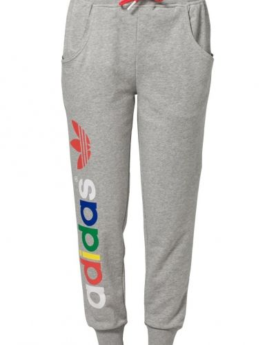 Adidas originals träningsbyxor från Adidas Originals, Träningsbyxor med långa ben