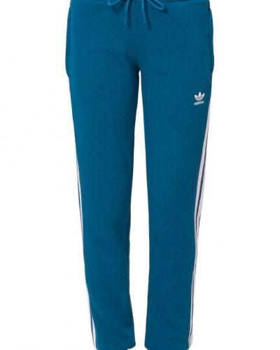 Adidas Originals Adidas originals träningsbyxor. Traningsbyxor håller hög kvalitet.