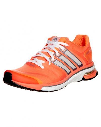 adidas Performance Adistar boost löparskor. Traningsskor håller hög kvalitet.