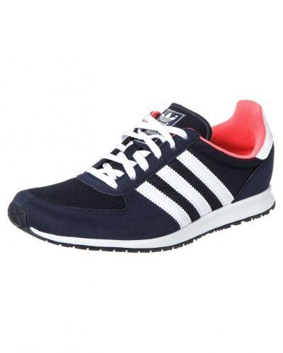 Blå sneakers från Adidas Originals till dam.