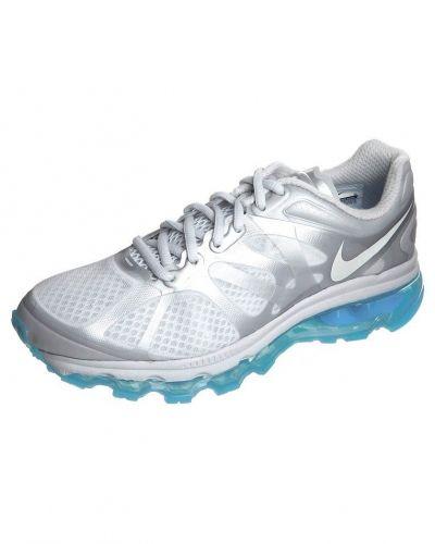 Nike Performance Nike Performance AIR MAX 2012 Löparskor dämpning Silver. Traningsskor håller hög kvalitet.