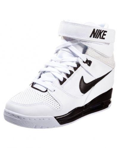 nike höga sneakers