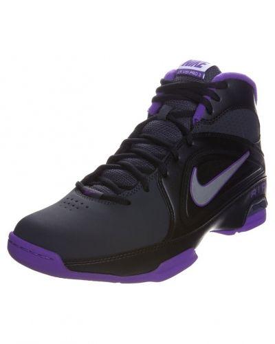 Nike Performance Air visi pro iii indoorskor. Traningsskor håller hög kvalitet.
