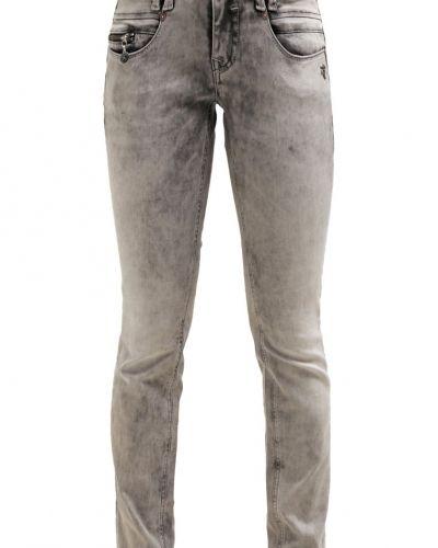 Slim fit jeans från Mogul till mamma.