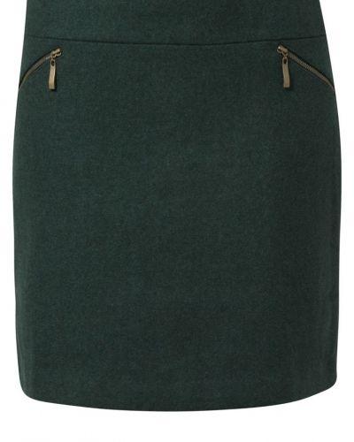 Till kvinna från Anna Field, en grön a-linje kjol.