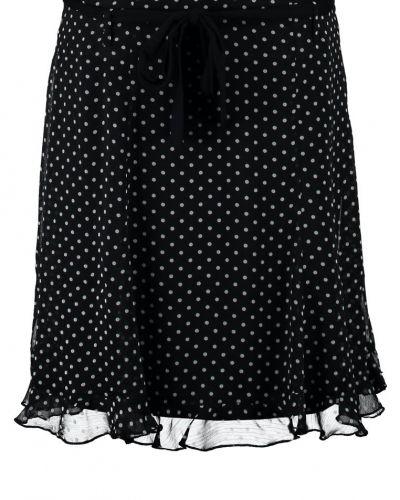 Svart a-linje kjol från Anna Field till kvinna.