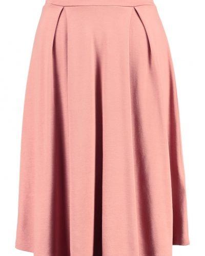 A-linje kjol från Anna Field till mamma.