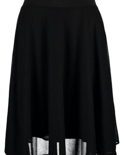 Alinjekjol black Anna Field a-linje kjol till mamma.
